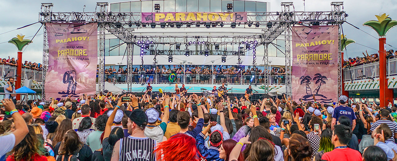 PARAHOY! Lowdown